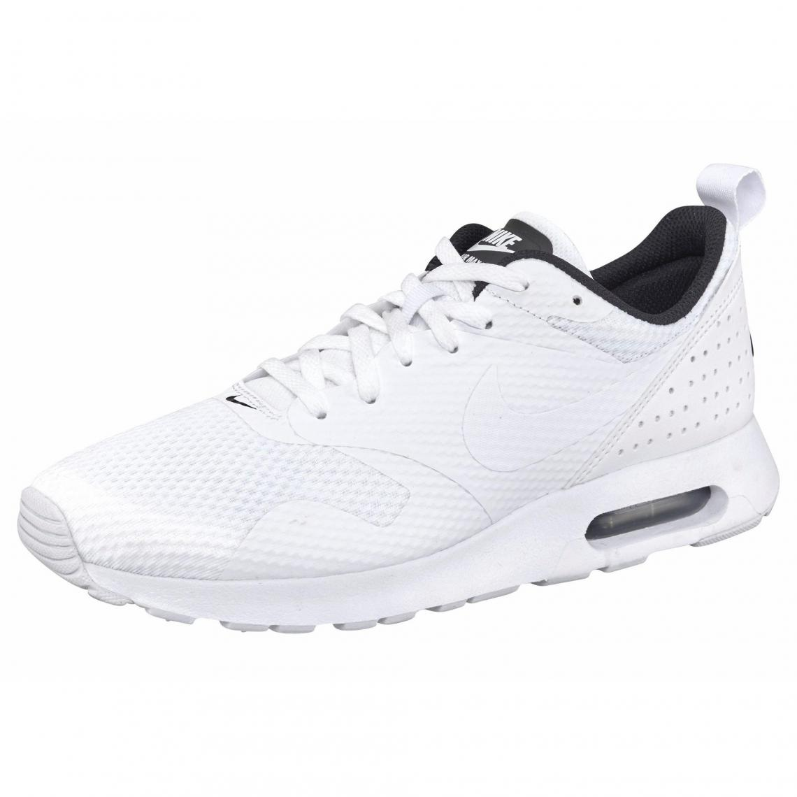 nike requin homme blanche